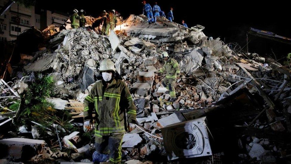 Землетрясение в Эгейском море: разрушения в Греции и Турции, есть погибшие