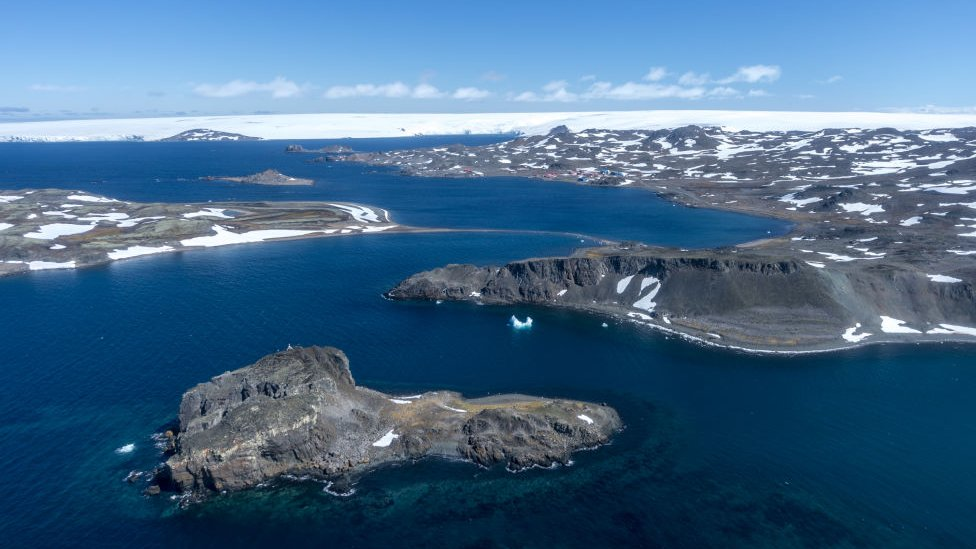 Coronavirus spreads to Antarctic research station thumbnail