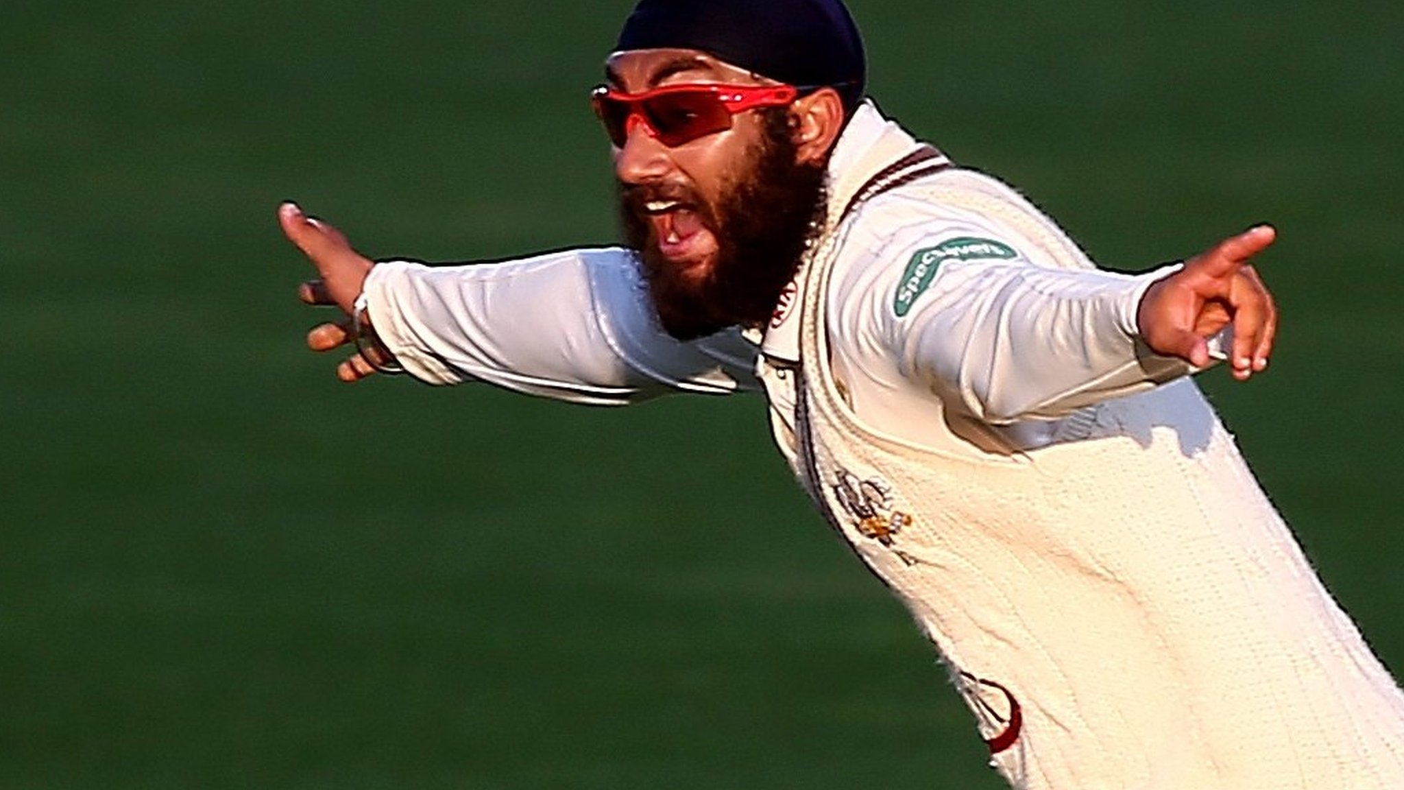 County Championship: Surrey's Amar Virdi takes three wickets before Lancs rally