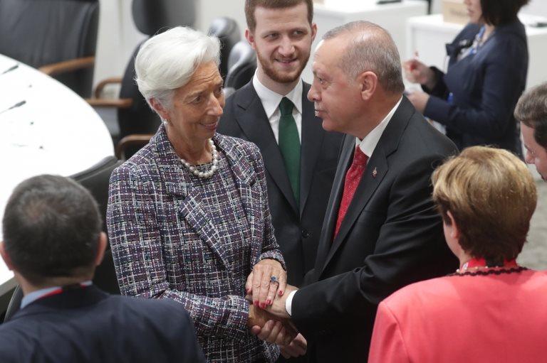 Lagarde'ın geçen hafta Japonya'da düzenlenen G20 zirvesi sırasında Cumhurbaşkanı Erdoğan ile çekilmiş bir fotoğrafı