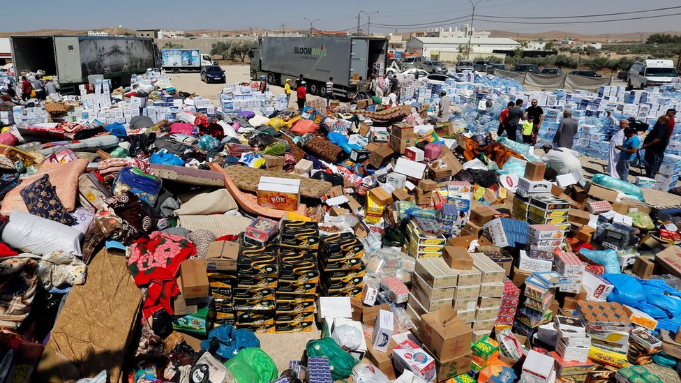Humanitarian aid is prepared to be delivered to Syria, in the town of Ramtha, Jordan, (2 July 2018)