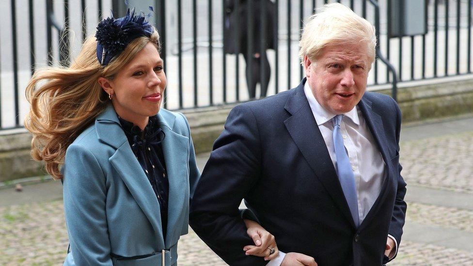 Britanski premijer Boris Džonson je sa verenicom Keri Simonds prisustvovao ceremoniji