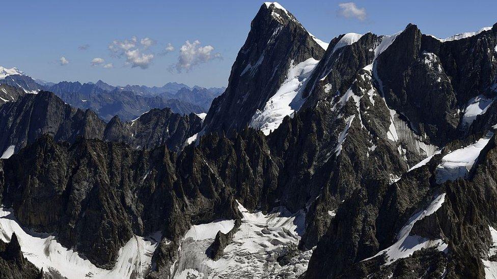 Льодовик на горі Монблан може зійти в будь-який момент. Через глобальне потепління