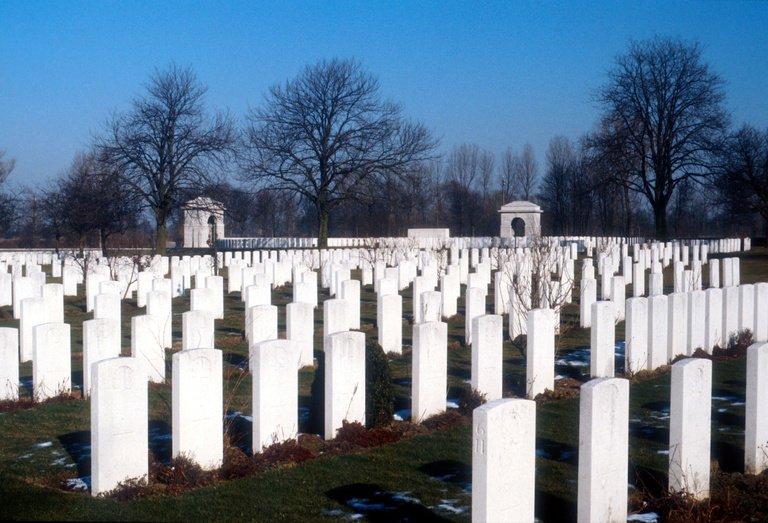 Groblje u belgijskom Ipru gde su sahranjeni britanski vojnici poginuli u Prvom svetskom ratu