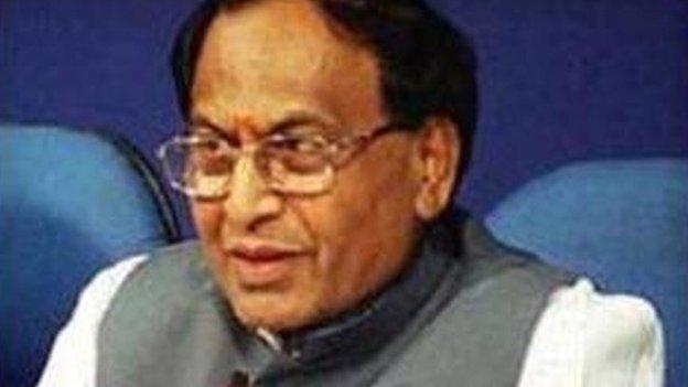 बीजेपी नेता सीपी ठाकुर ने कहा, 'अब ख़त्म हो आरक्षण'