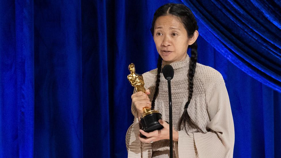 فازت كلوي تشاو بجائزة أوسكار أفضل مخرج
