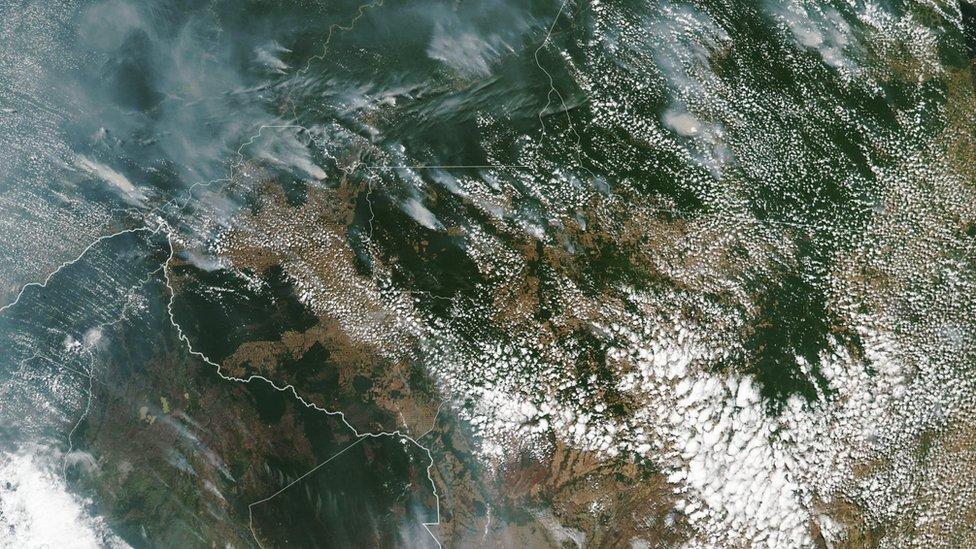 Imágenes satelitales de la NASA de los incendios en Rondonia y Mato Groso, Brasil.