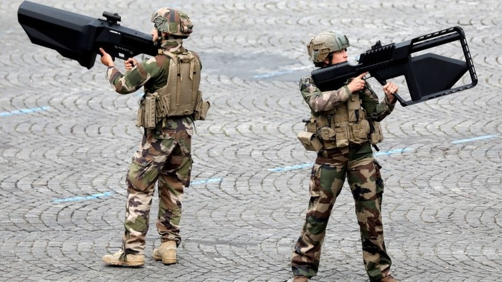 Anti-drone guns on show at Sunday's Bastille Day celebrations