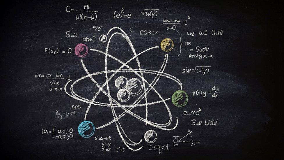 átomo en tablero