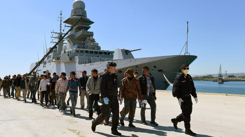 Migrants brought ashore in Augusta, Sicily, 22 Apr 15