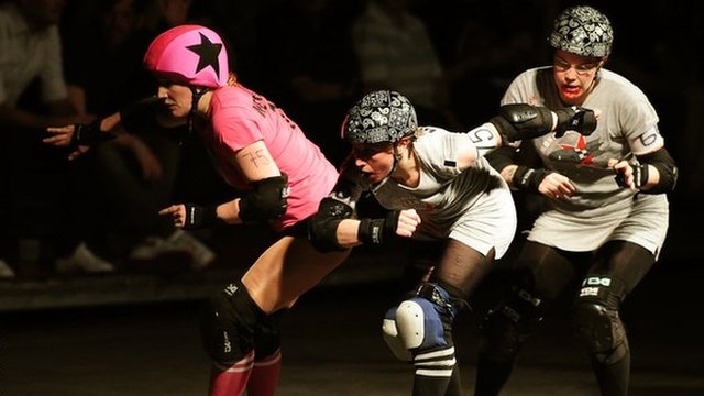 Roller Derby: How To Hit