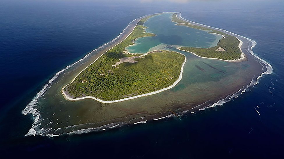 A picture showing Nikumaroro island from above, captured using a drone