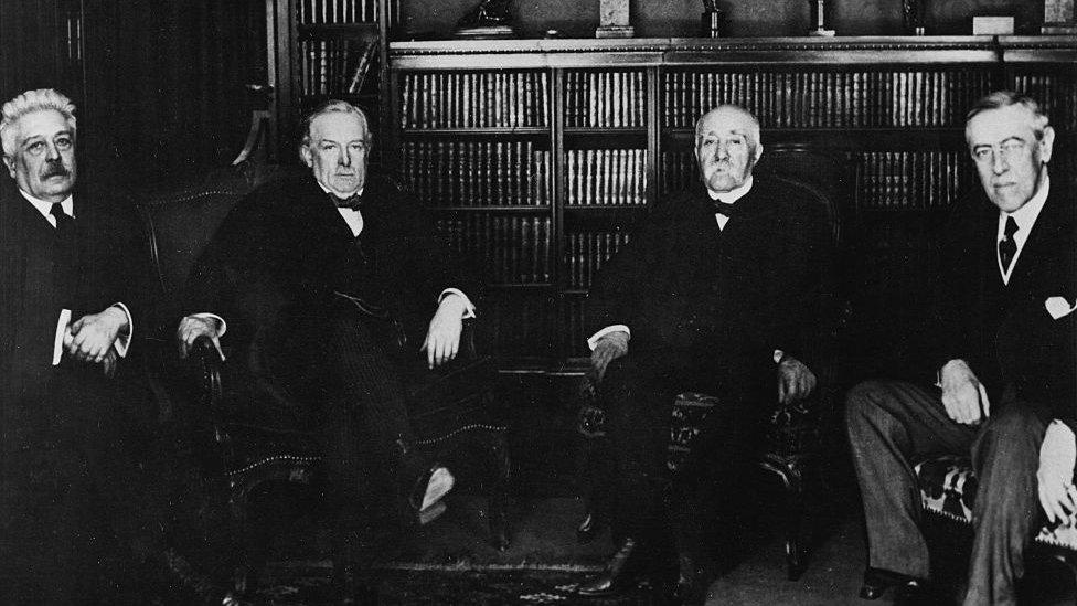 Los grandes líderes antes de la conferencia de paz. De izquierda a derecha: Vittorio Orlando de Italia, Lloyd George de Gran Bretaña, Georges Clemenceau de Francia y Woodwrow Wilson de Estados Unidos.