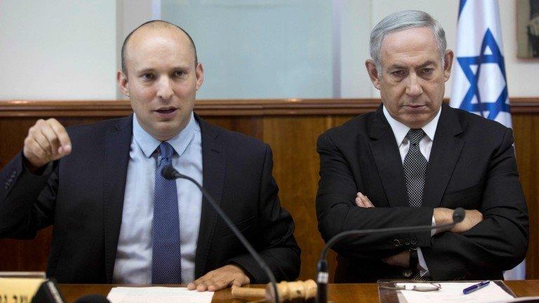 Naftali Bennett (left) and Benjamin Netanyahu (file photo)