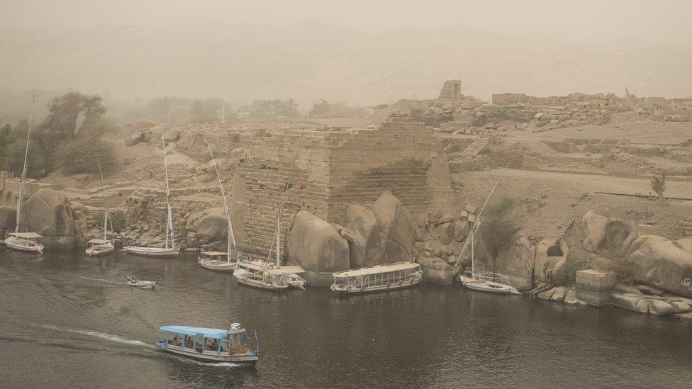 epa06998121 A general view of River Nile during sand storm in Aswan, Egypt, 05 September 2018. EPA/MOHAMED HOSSAM