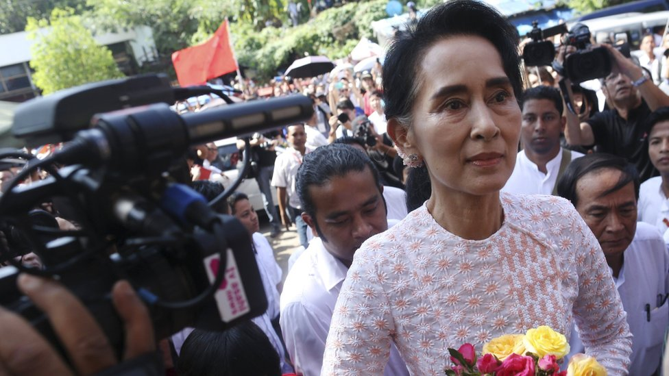 Myanmar's National League for Democracy party leader Aung San Suu Kyi arrives at her party headquarters after general elections in Yangon, Myanmar on 9 November 2015