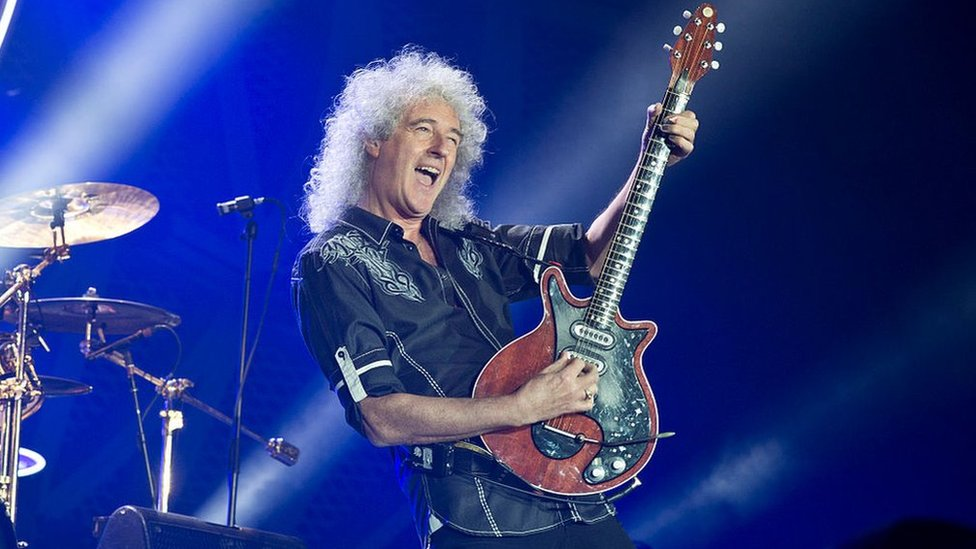 BBC News - Queen's Brian May rips glutes while gardening