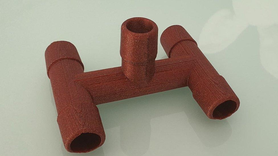 Nišlija Milan Stojanović je putem 3D štampača napravio razvodnik