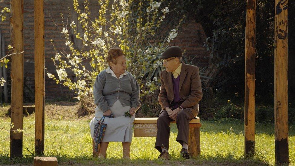 """Sergio Chamy en """"El agente topo"""" (2020)"""