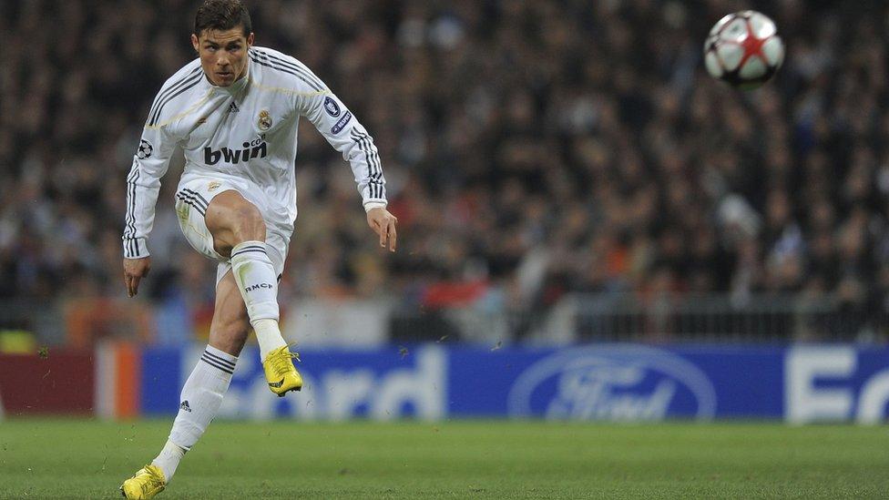 Cristiano Ronaldo cayó al tercer lugar.