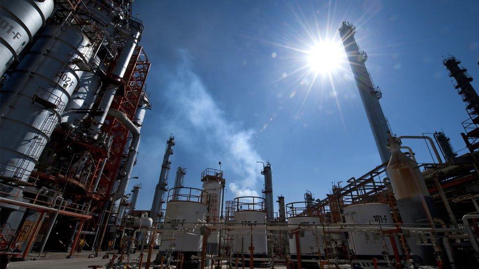 """En la región ha bajado la inversión extrajera después del fin del boom de los """"commodities""""."""