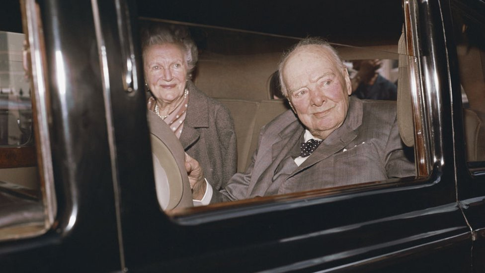 Winston Churchill y Clementine Hozier en 1964.