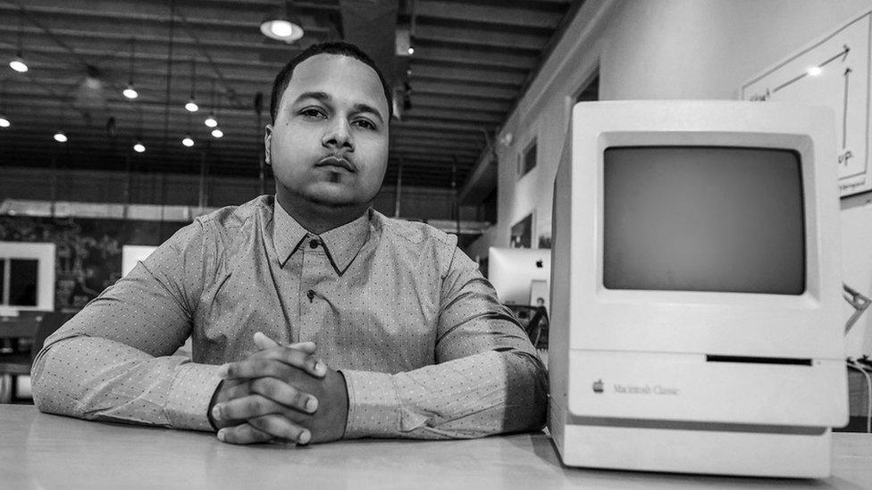 Freddie Figgers ilk Macintosh ile