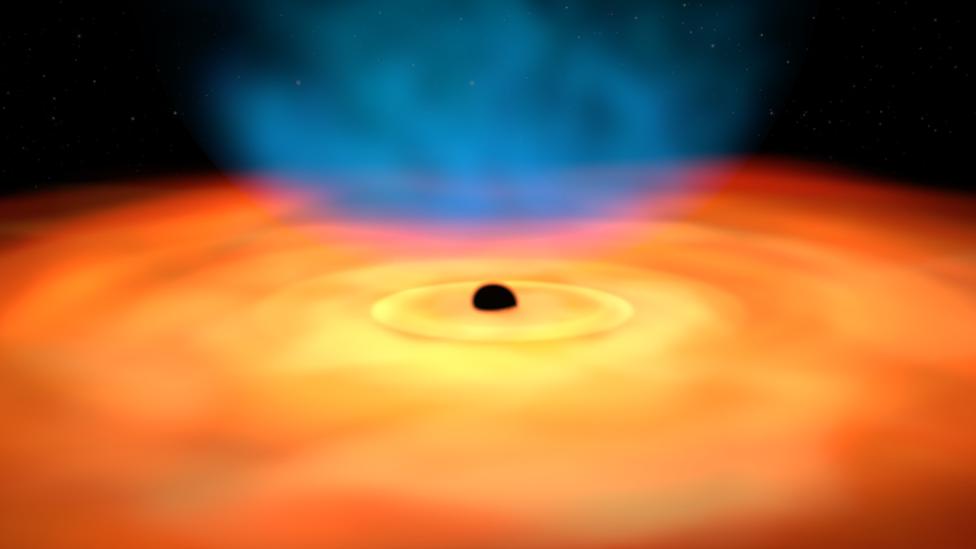 Ilustración del disco de gas y polvo en torno a un agujero negro.