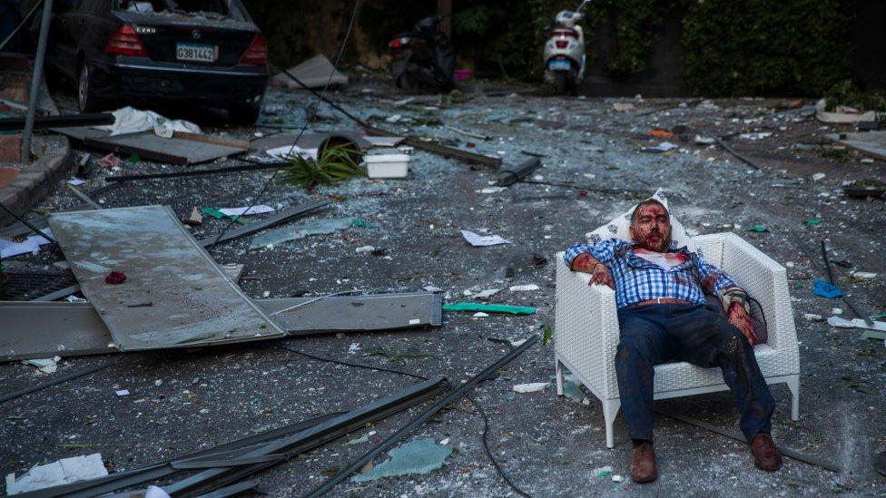 Фото: последствия взрыва в Бейруте