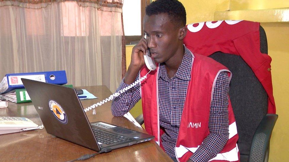 تقدم آمين خدمة الإسعساف وإرسال السيارات على مدار 18 ساعة يومياً