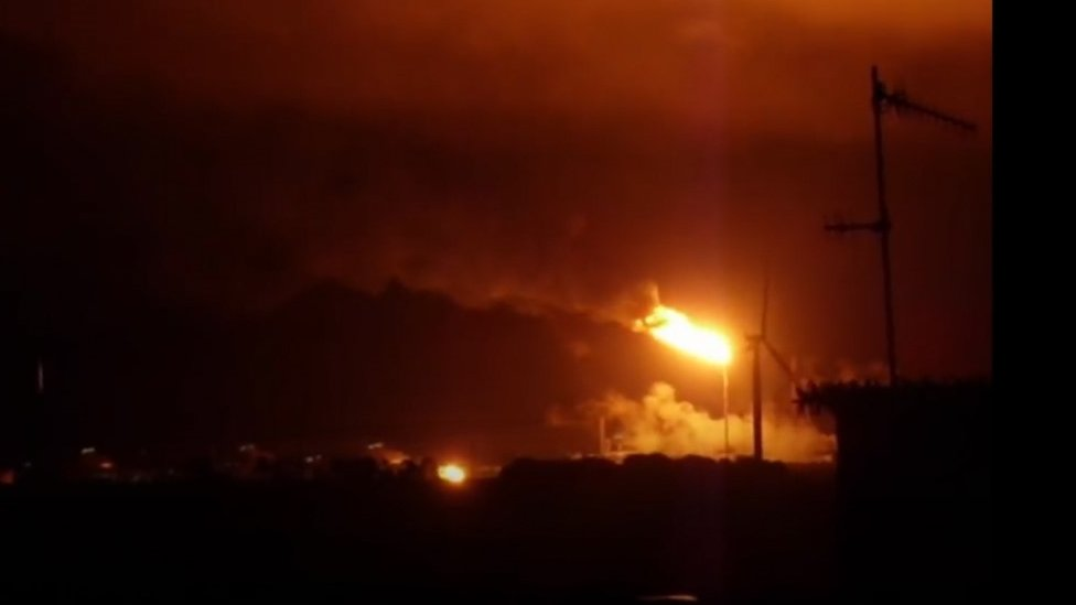 Footage captured by a Lochgelly resident of the Mossmorran plant flaring on 11 June 2017