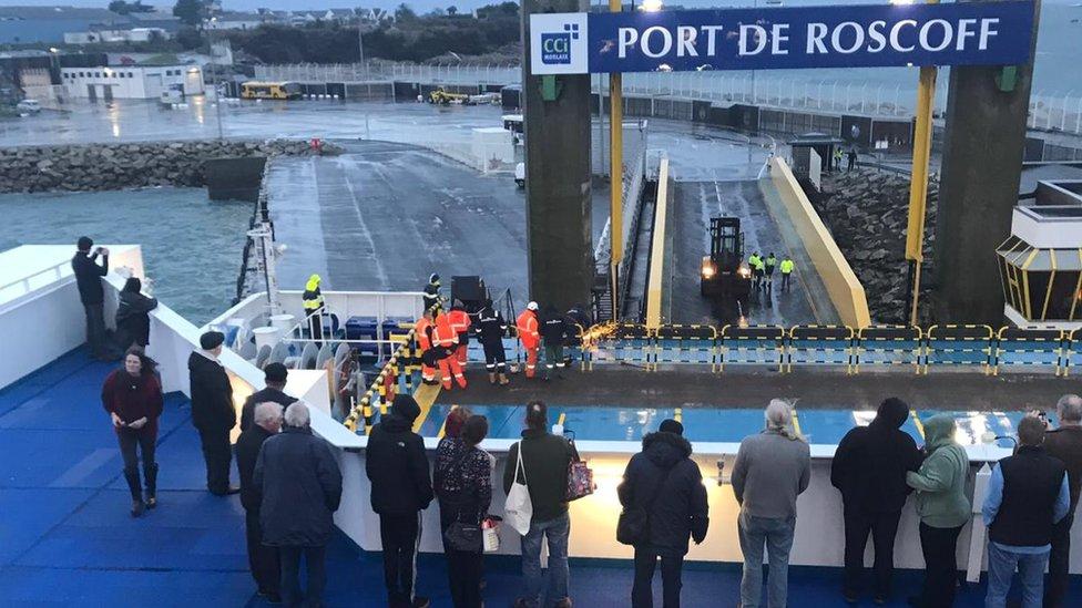 Plymouth ferry hits Roscoff dock: Passengers stuck