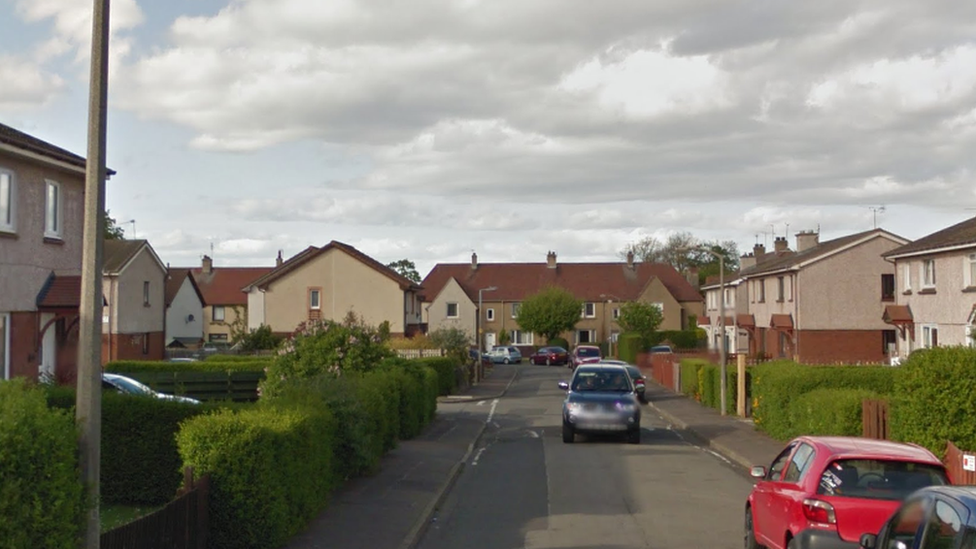 Two men injured and robbed in racist attack in Edinburgh street