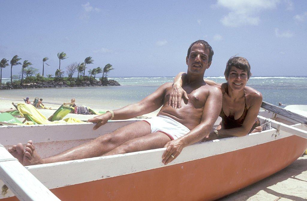 Müzisyen Helen Reddy ve eşi Jeff Wald'un 29 Mart 1980'de Hawaii tatillerinden.