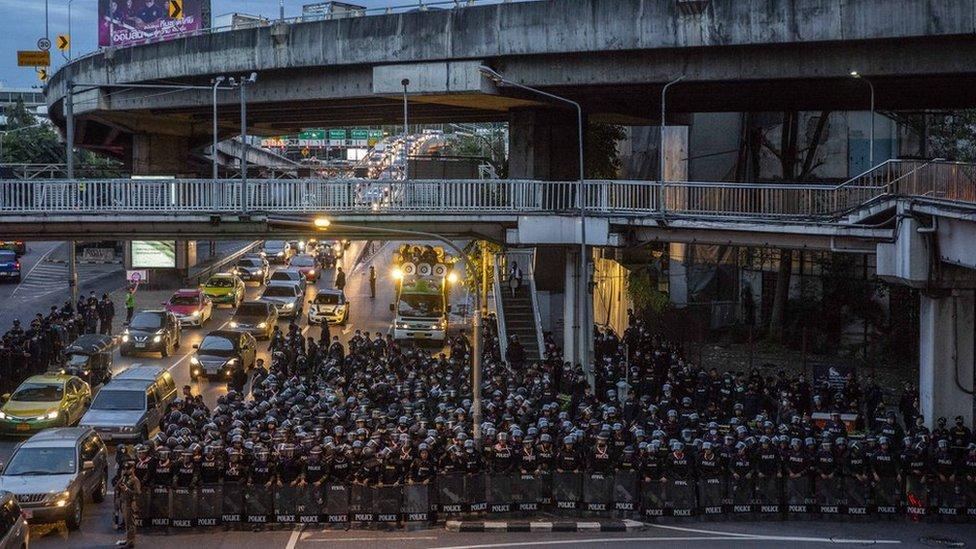 Policía tailandesa.