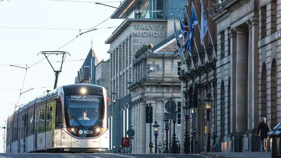 Edinburgh Tram Inquiry: Tram extension 'to learn from past mistakes'