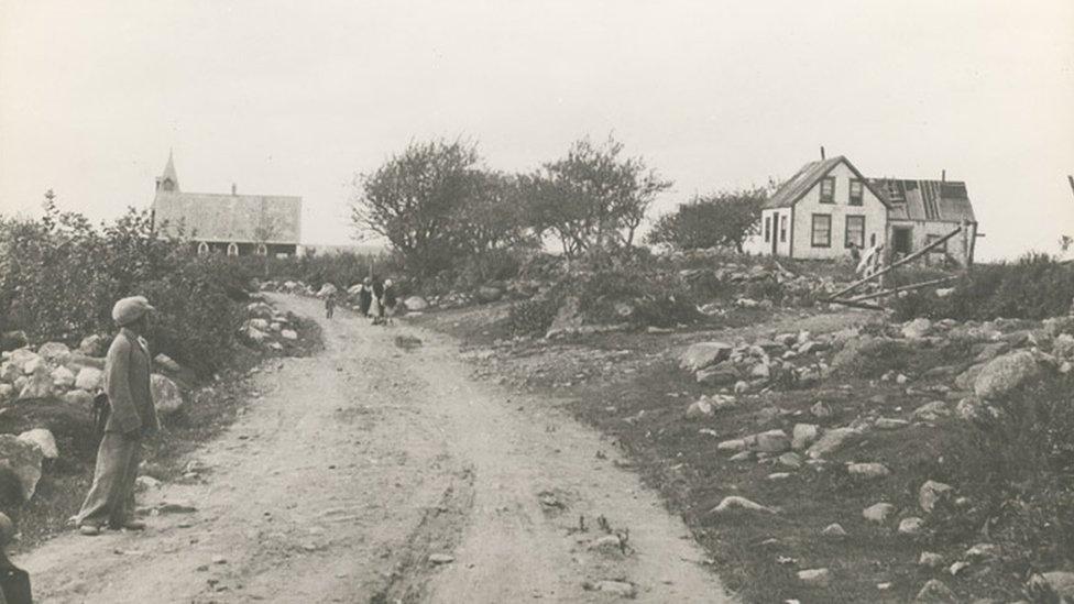 Scene of North Preston, showing the Baptist church, Gauvin & Gentzel, photographer, 2 October 1934