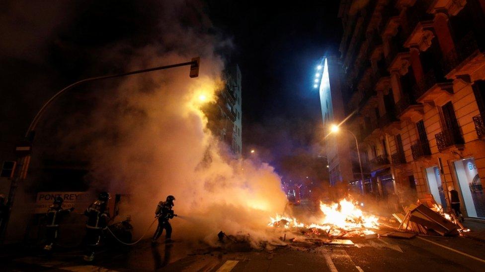 احتجاجات عنيفة في إسبانيا