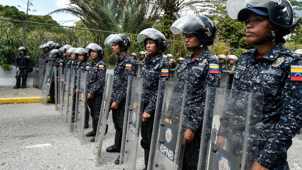 Policía  NO USAR   BBC
