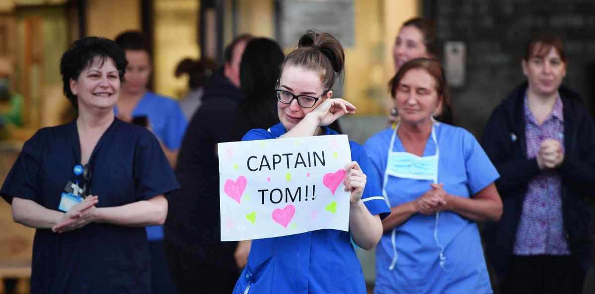 Letrero en apoyo al capitán Tom