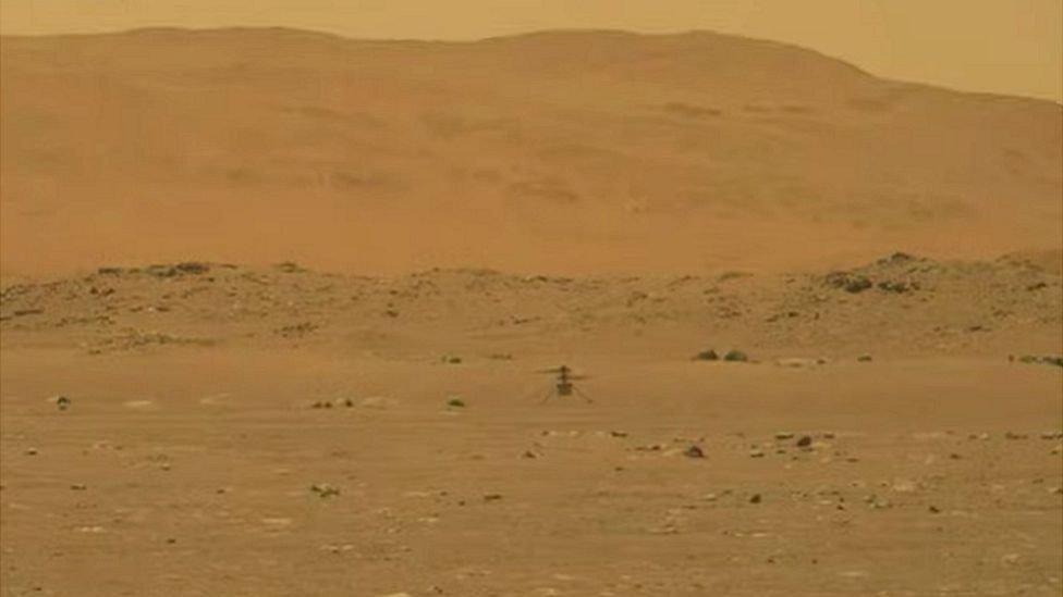 Вертолет на Марсе: аппарат NASA успешно совершил первый полет