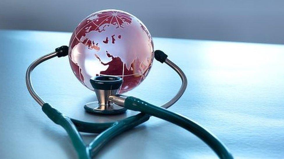 Коронавирус: по оценкам ВОЗ, ситуация в мире становится хуже