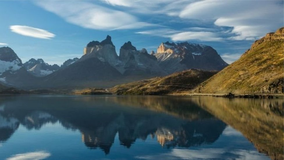 Гірське озеро в Чилі