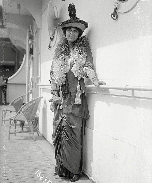 McCormick a bordo de un barco, en uno de sus viajes.