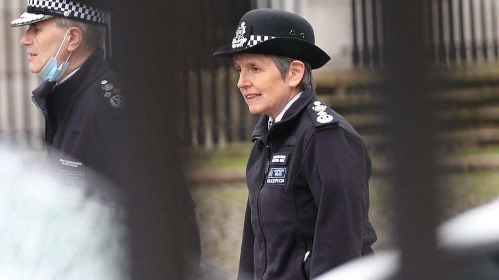 Londra Emniyet Müdürü Cressida Dick, istifa etmeyeceini söylüyor.