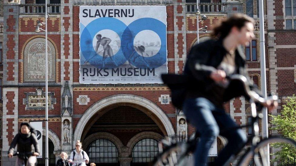 """استضاف متحف ريكز مؤخرا معرضًا بعنوان """"العبودية"""""""