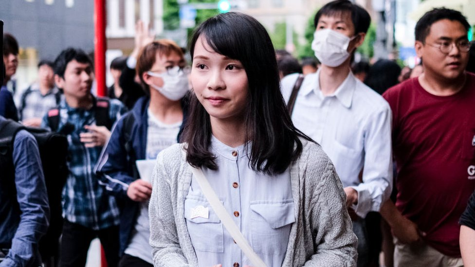 Agnes Chow: Hong Kong's 'real Mulan' fighting for democracy thumbnail