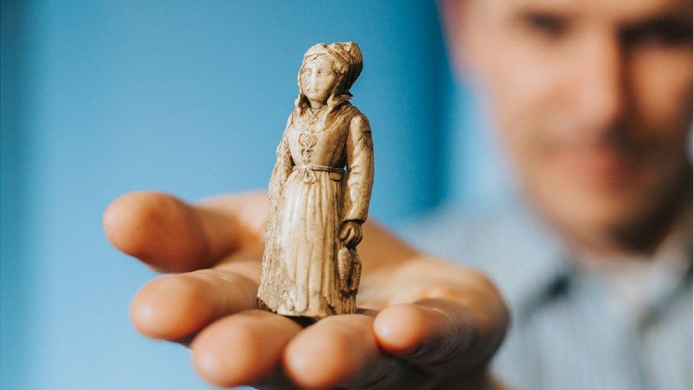 Woman figure