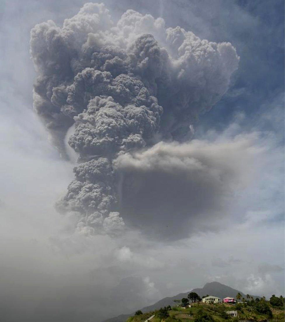 El volcán de San Vicente y las Granadinas registró una segunda gran erupción