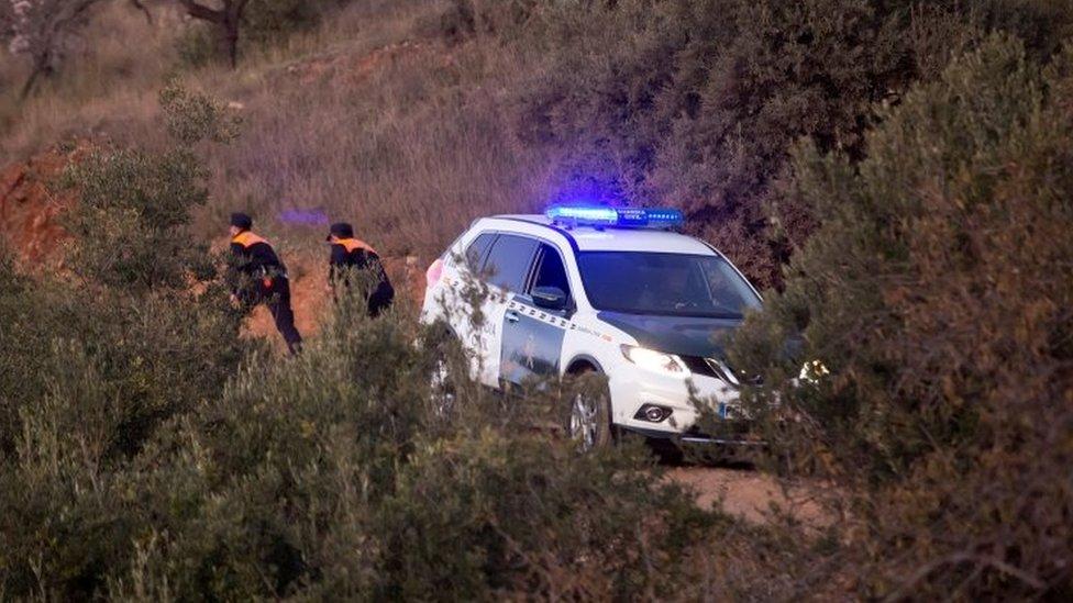 Policías en Totolán
